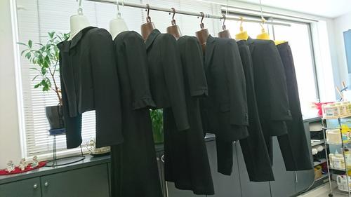 礼服たくさん.JPG